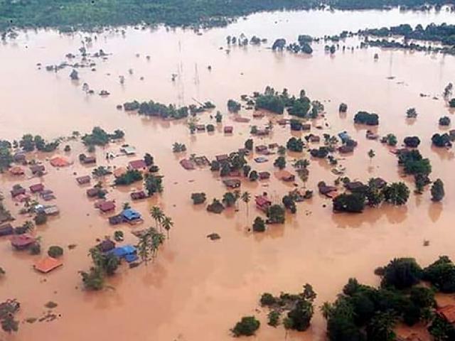 Vỡ đập ở Lào khủng khiếp đến mức nước láng giềng cũng phải sơ tán