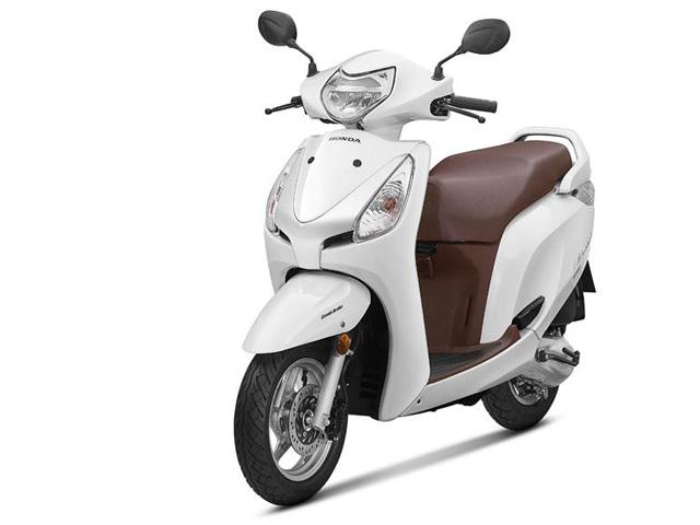 """Xe tay ga Honda Aviator 2018 giá rẻ lên kệ, Yamaha Fascino """"lo lắng"""""""