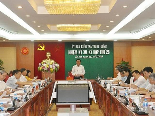 Đề nghị Bộ Chính trị xem xét kỷ luật Thứ trưởng Bùi Văn Thành