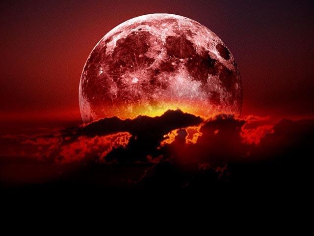 """Ngắm """"trăng máu"""" thắp sáng trời đêm trong nguyệt thực dài nhất thế kỷ"""