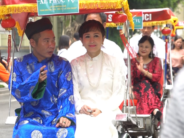Nhiều nghệ sĩ nổi tiếng cũng ngồi xích lô diễu hành, như: NSƯT Minh Vượng, NSND Hoàng Cúc, Công Lý, NSND Minh Hòa....