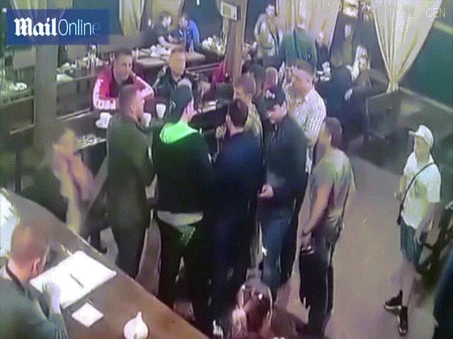 Video: Trùm mafia Nga bị bắn chết trong bữa tiệc mừng ra tù