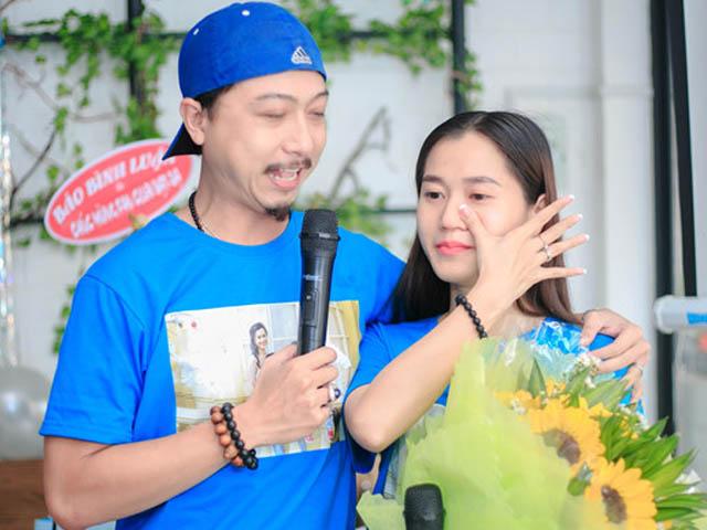 Sau 8 năm hôn nhân, Hứa Minh Đạt lại bất ngờ quỳ gối cầu hôn Lâm Vỹ Dạ