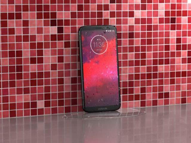 """Cả iPhone X lẫn Galaxy S9 phải """"e dè"""" trước Moto Z3 mới ra mắt"""