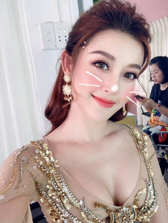 3 nu than chau a duoc nghin fan nam vay kin xem mat: