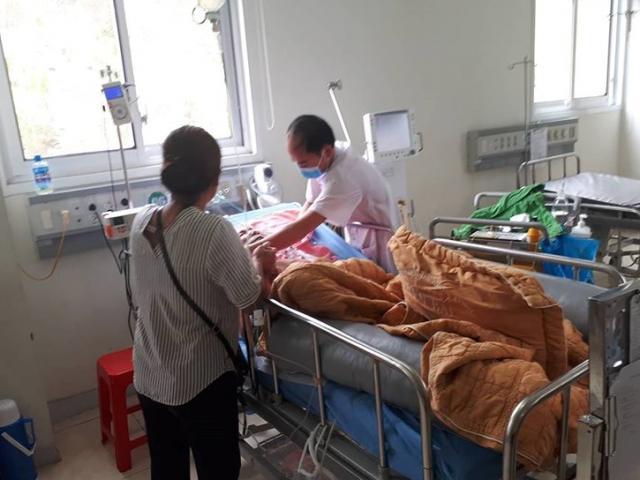 Cứu sống cụ ông 86 tuổi chảy máu suốt 2 ngày