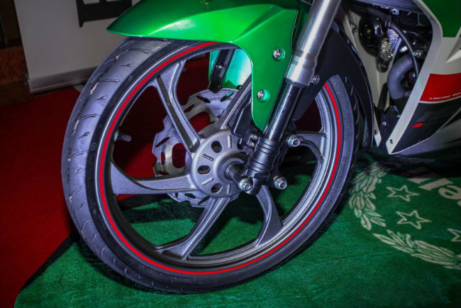 """can canh mau xe moi khien yamaha exciter, honda winner """"toat mo hoi"""" hinh anh 12"""