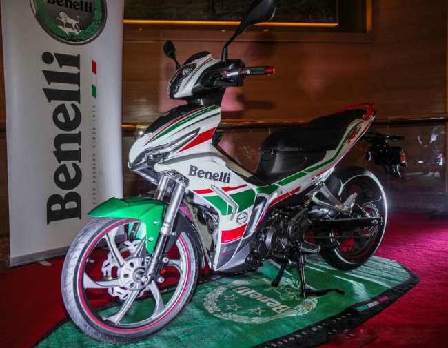 """can canh mau xe moi khien yamaha exciter, honda winner """"toat mo hoi"""" hinh anh 2"""