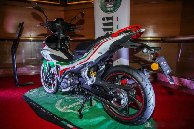 """can canh mau xe moi khien yamaha exciter, honda winner """"toat mo hoi"""" hinh anh 6"""
