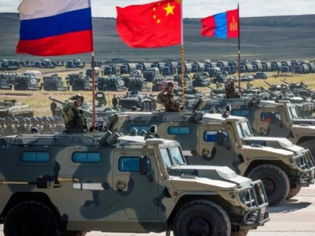 """Nga - Trung hợp tác quân sự sâu sắc, NATO """"run sợ"""""""