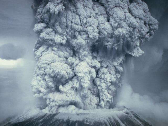 """Cảnh báo đáng sợ về ngọn núi lửa khổng lồ """"ấm đun nước"""""""