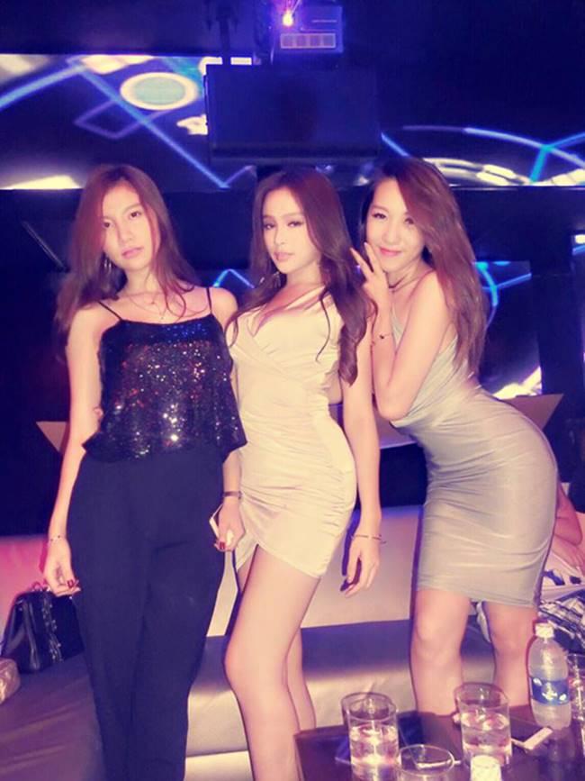 3 hot girl tram anh, hong anh, emily len xe hoa cung ca si underground gio ra sao? hinh anh 4