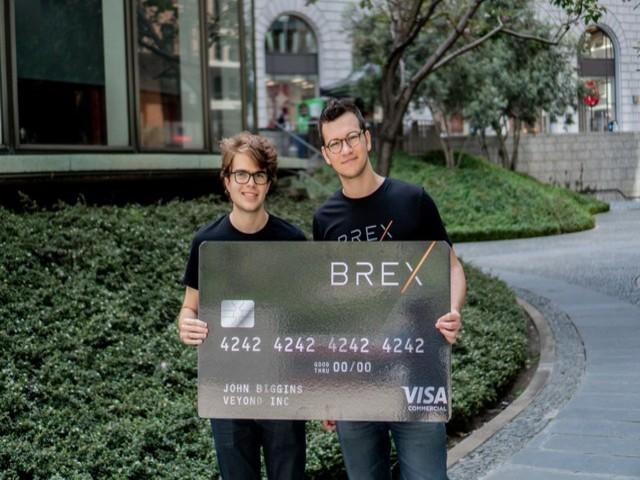 Bỏ học đại học, 2 thanh niên khởi nghiệp kiếm gần 20.000 tỷ như thế nào?