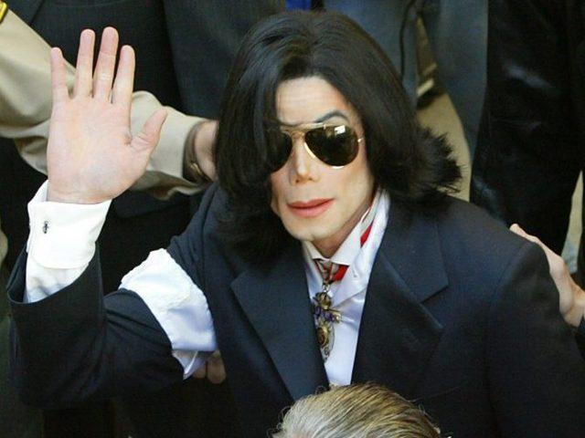Bất ngờ, Michael Jackson vẫn kiếm tiền tỷ dù đã qua đời