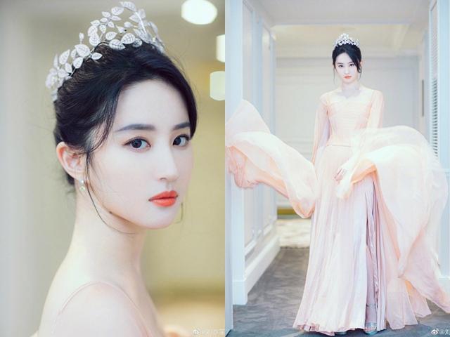 """""""Thần tiên tỷ tỷ"""" Lưu Diệc Phi đẹp vô thực, át cả Song Hye Kyo ở sự kiện thời trang"""