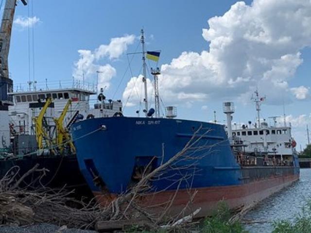 Hé lộ hình ảnh binh lính Ukraine đột kích, lục soát tàu chở dầu Nga