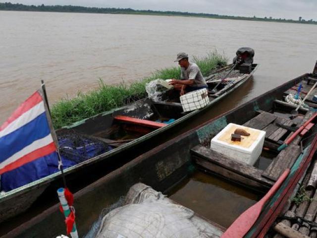 Nước sông Mekong xuống thấp chưa từng có và nghi vấn những con đập ở TQ