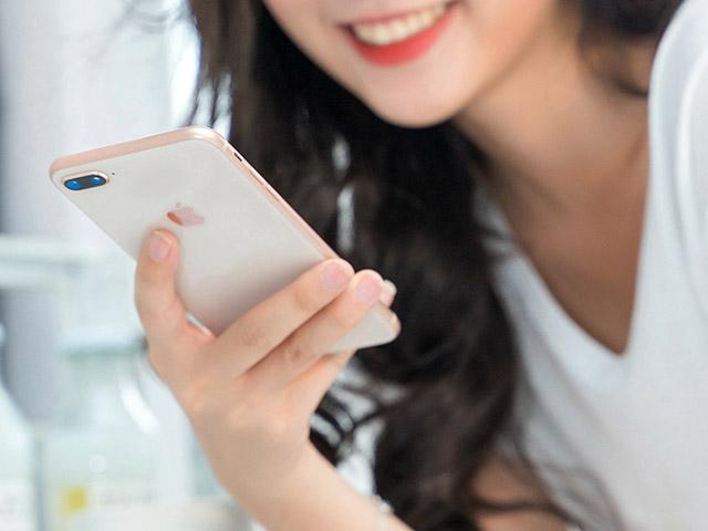 So sánh iPhone 7 Plus và iPhone 8 Plus: Vỏ kim loại sang trọng hay mặt kính thời thượng?