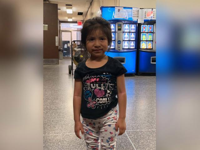Mỹ: Bỏ quên bé gái trên xe bus nhà trẻ, cả tài xế và người trông trẻ bị bắt giữ