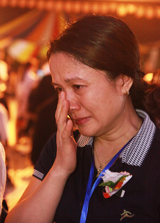 Dự lễ Vu Lan báo hiếu, nhiều người bật khóc vì nhớ cha, nhớ mẹ