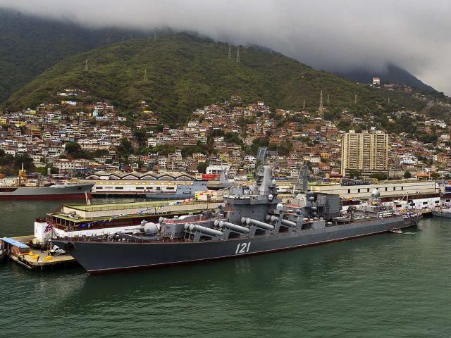 Dằn mặt Mỹ, Nga ký thỏa thuận đưa hải quân vào Venezuela
