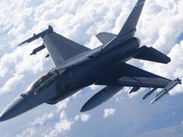 Trung Quốc nổi giận khi Mỹ sắp bán 66 chiến đấu cơ F-16 cho Đài Loan