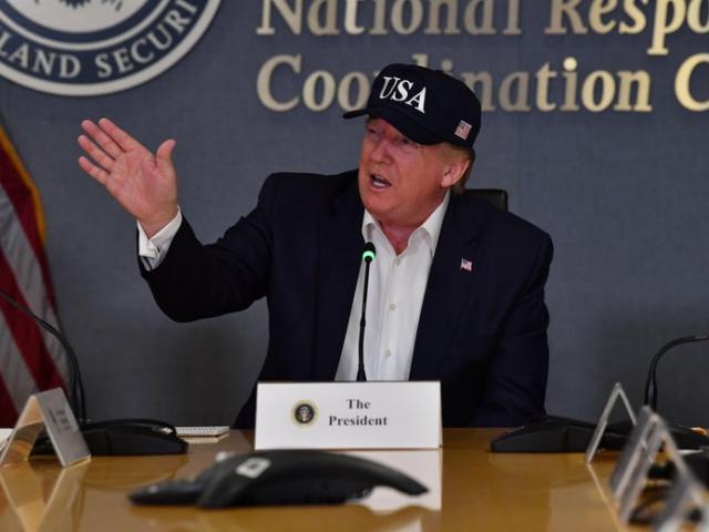 Siêu bão cấp cao nhất sắp đổ bộ Mỹ, ông Trump tuyên bố gây sốc