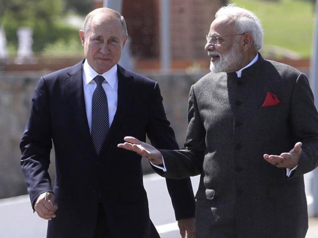 Ấn Độ thách thức ảnh hưởng của Trung Quốc ở Biển Đông