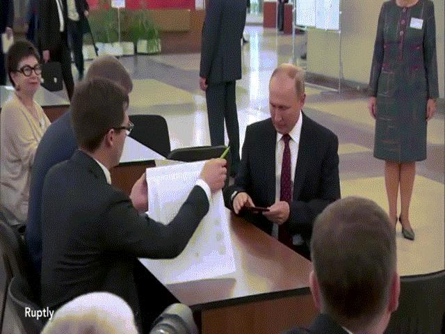 Ông Putin hứng thất bại lớn trong cuộc bỏ phiếu ở Moscow
