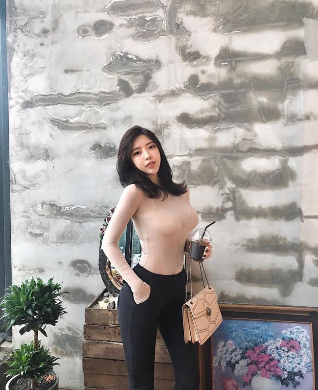 ve goi cam nong bong cua nguoi dep phu phang tu choi 700 ty tu dai gia hinh anh 14