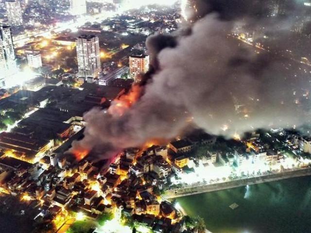 Vụ cháy Công ty Rạng Đông: Hai Phó Thủ tướng yêu cầu làm rõ phạm vi, mức độ ô nhiễm