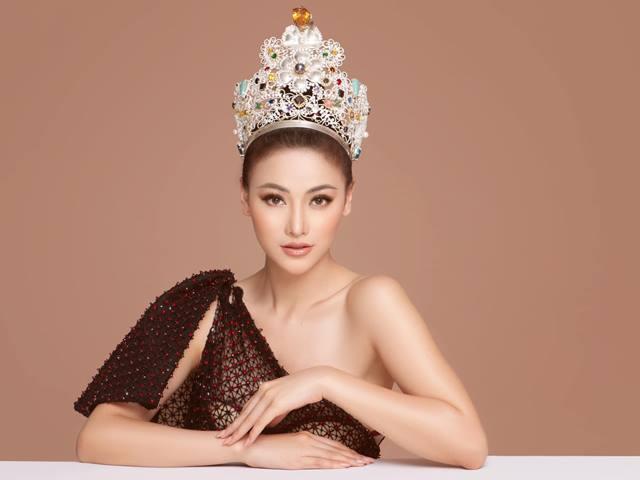 """Phương Khánh: """"Đi chấm thi hoa hậu cũng là cái nghề, lương đủ sống"""""""