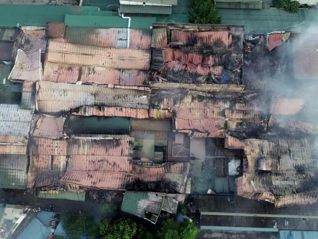 Nóng: Công bố nguyên nhân cháy nhà máy phích nước bóng đèn Rạng Đông