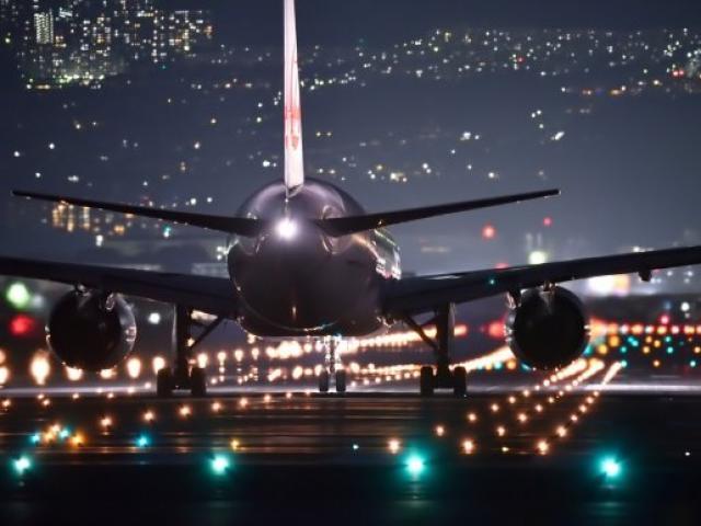 Không phải Dubai, Hong Kong, đây mới là sân bay bận rộn nhất thế giới suốt 21 năm qua