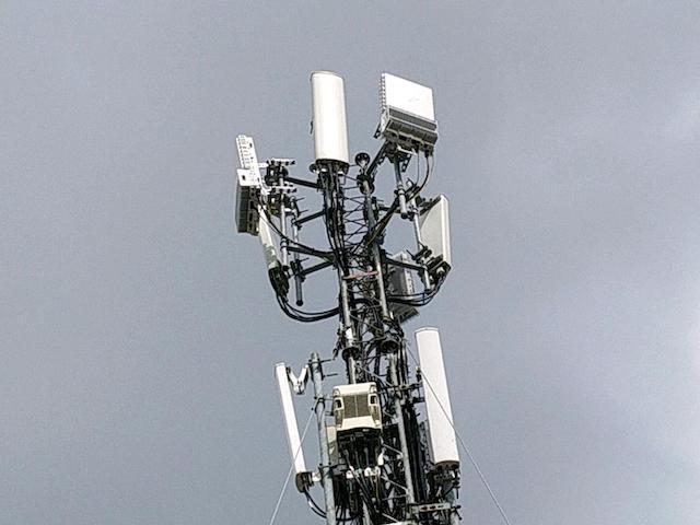 NÓNG: Mạng 5G chính thức phủ sóng khu vực đầu tiên tại TP.HCM, miễn phí trải nghiệm