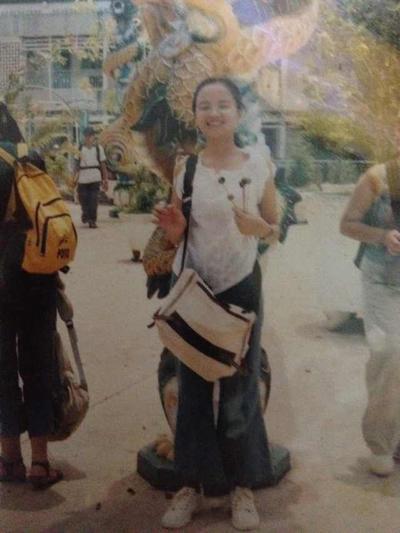 Ở tuổi dậy thì, Diễm Hương bắt đầu phát triển chiều cao và ra dáng một thiếu nữ duyên dáng.