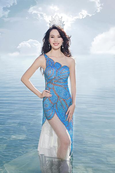 Bộ ảnh rạng ngời của Thu Thảo được thực hiện với sự hỗ trợ của stylist Trịnh Tú Trung và trang phục của nhà thiết kế