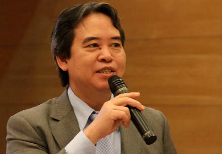 Thống đốc Nguyễn Văn Bình cũng 4