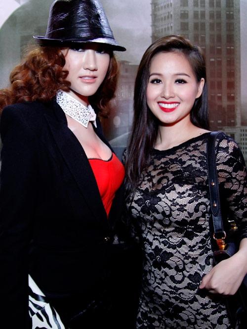 Đứng cạnh đàn chị trong showbiz, Thanh Tâm tỏ ra chẳng hề kém cạnh về độ sành điệu và sexy