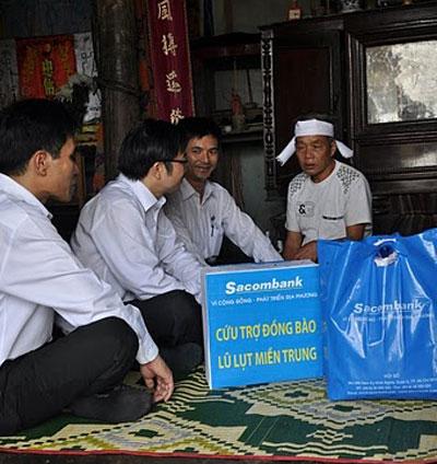 Sacombank với các hoạt động nhân đạo.