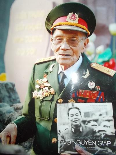 Ông Lò Văn Sôn.