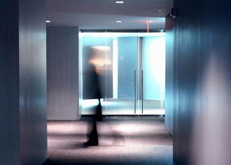 Ma xuất hiện ở thang máy?