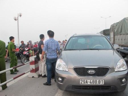 Chiếc xe ôtô được lấy từ bệnh viện E sau đó chở xác đi phi tang.