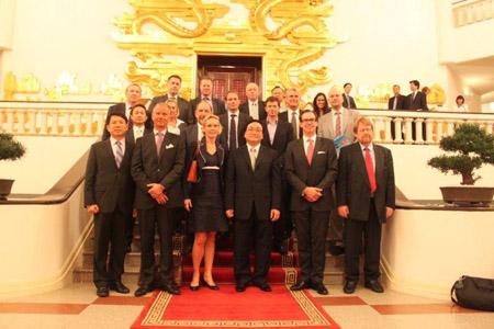 Phó Thủ tướng Hoàng Trung Hải tiếp đoàn doanh nghiệp Thụy Điển.