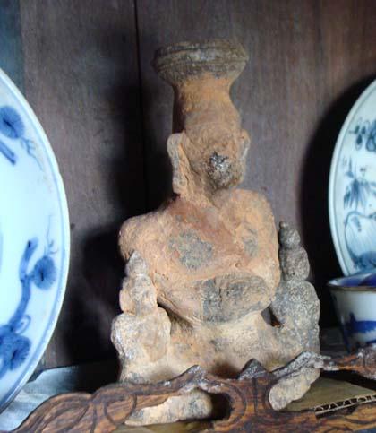 Pho tượng lạ anh Tuyến lấy được từ kho báu nằm sâu trong lòng núi Phượng Hoàng.