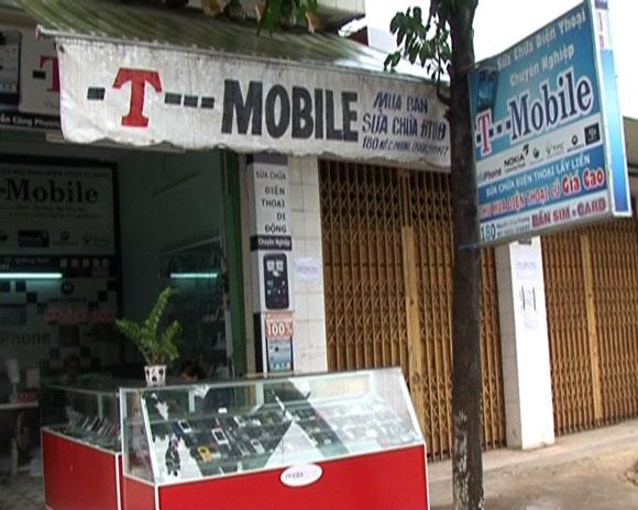 Cửa hàng di động T – Mobile – nơi gã thanh niên tráo chiếc iPhone rất nhanh