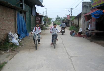 Đường làng Vân Côn.