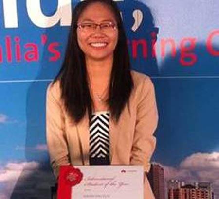 Lưu Thu Hạnh nhận giải thưởng danh giá của Chính phủ bang Nam Úc.