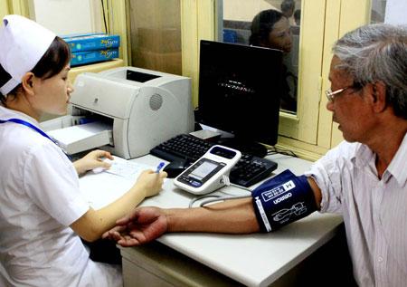 Trung bình một người cao tuổi có khoảng 2,69 bệnh.