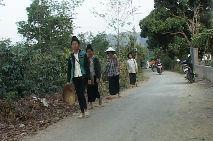 Những con đường nông thôn mới.